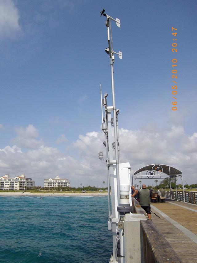 Photo of station #8722670, Lake Worth Pier, Atlantic Ocean, FL