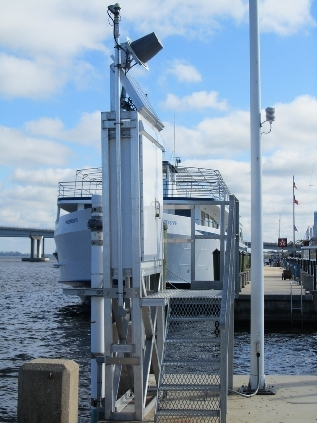 Photo of station #8725520, Fort Myers, Caloosahatchee River, FL