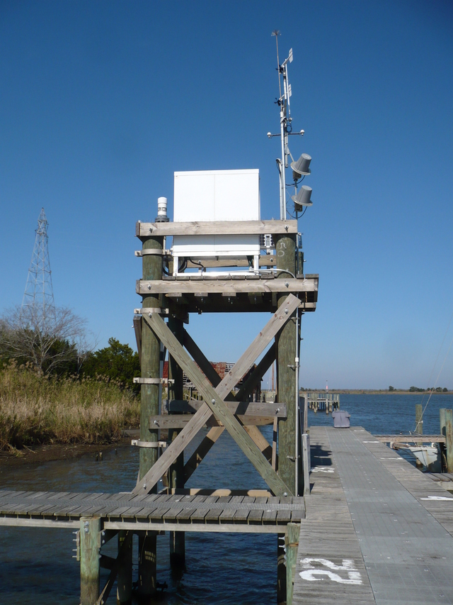 Photo of station #8728690, Apalachicola, FL