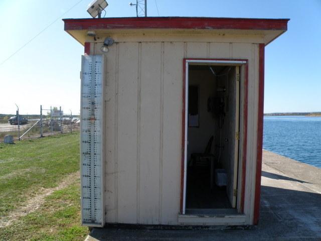 Photo of station #9076070, S.W. Pier, MI